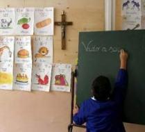 L'Italie condamnée par la Cour européenne pour les crucifix à l'école ! 041109_crucifix