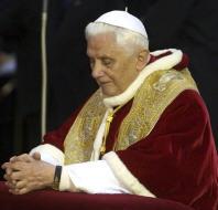 Le pape Benoît XVI rend hommage à Marie Immaculée 091209_benoit_xvi