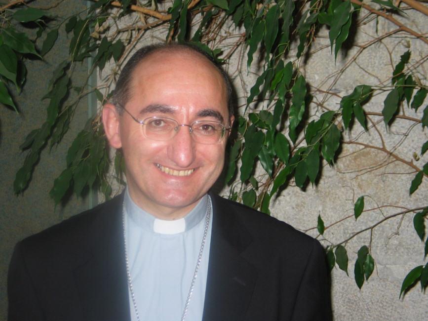 http://eucharistiemisericor.free.fr/images/131107_mgr_giraud_big.jpg