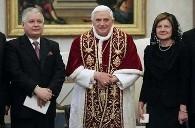 Le pape, Lech Kaczynski et son épouse.